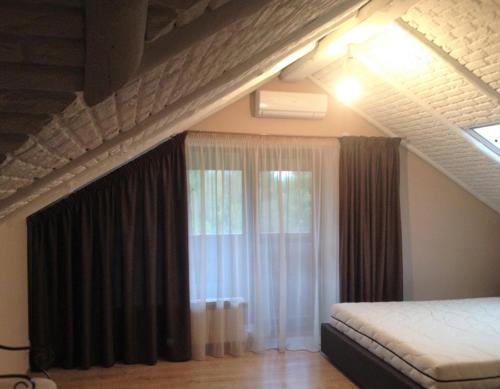 Частный дом, спальня